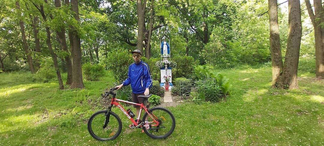 Dominik na rajdzie rowerowym